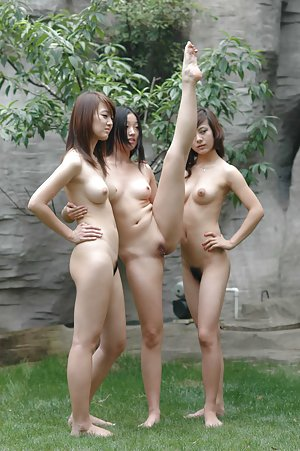 Flexy Asian Tits