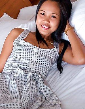 Coed Asian Tits